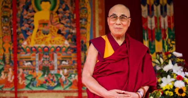 Dalai Lama ne vorbeste despre relatii in 18 sfaturi superbe