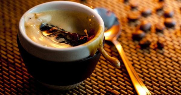 Cafeaua, consumata cu moderatie iti poate aduce beneficii minunate pentru viata