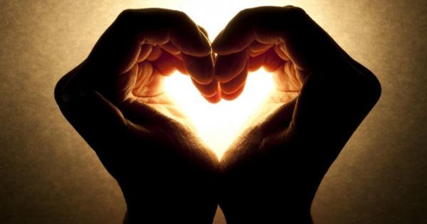 Atragerea dragostei in viata noastra incepe cu iubirea de sine, daca tu nu te iubesti, altcineva de ce ar face-o?