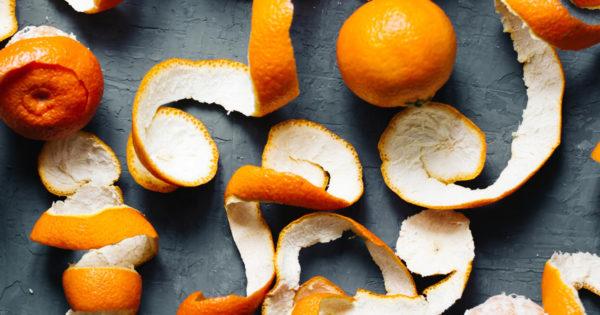In loc sa arunci cojile de portocale, ai putea sa incerci aceste lucruri, sigur te vor ajuta in bucatarie!