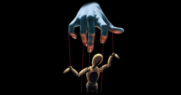 9 trăsături ale persoanelor manipulatoare de care trebuie să te ferești