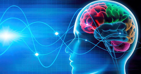 Sfatul unui medic neurolog: Pentru a vă menține creierul tânăr, mergeți cât mai mult pe jos