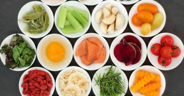 11 alimente care nu trebuie să lipească din alimentația persoanelor peste 45 de ani