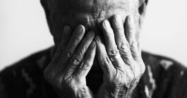 Principala durere a părinților mai în vârstă: relații mai slabe cu copiii mai mari
