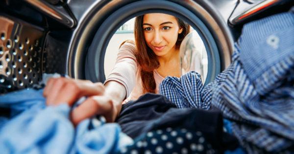 10 greșeli de spălare a hainelor pe care le fac multe gospodine