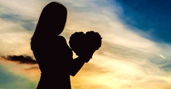 Iubește-te pe tine însuți, astfel încât să nu fii nevoit să depinzi de dragostea altei persoane