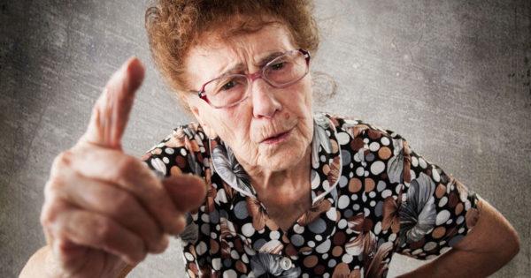 De ce cei dragi devin atât de insuportabili la bătrânețe?