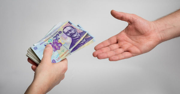 Nu împrumutați niciodată bani marți!