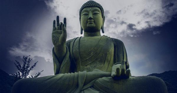 """Buddha: """"Nu asculta pe nimeni, ascultă-te doar pe tine."""""""