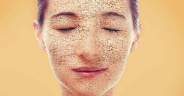 7 obiceiuri zilnice care ne usucă pielea