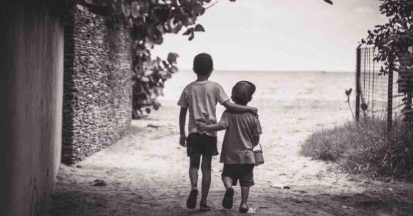 De ce fratele tău / sora ta este cea mai bună persoană din viața ta. 10 motive!